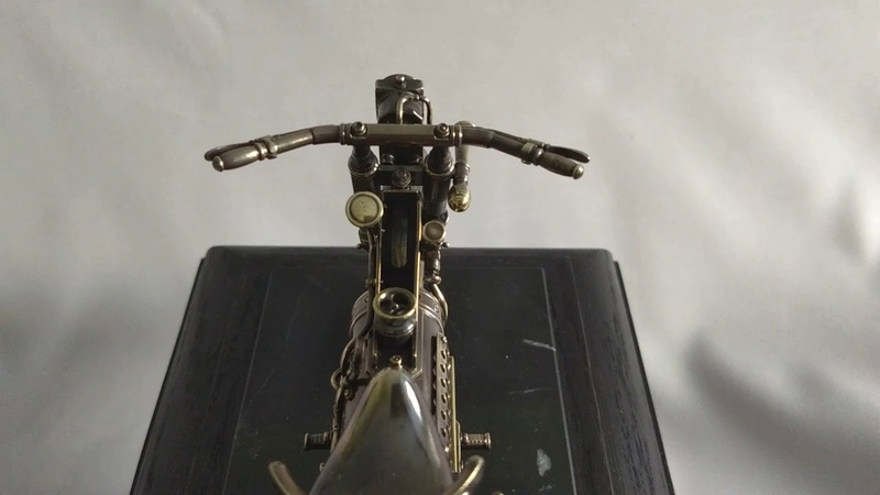 Мотоцикл в стиле стимпанк.