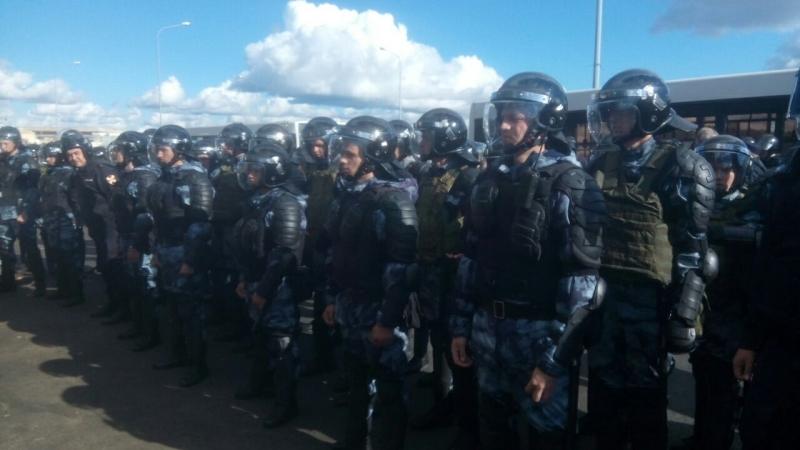 ПИТЕР. 16.09.18. На митинг вышли около 2000 человек. ОМОН распылил газ и применил силу. Есть пострадавшие.