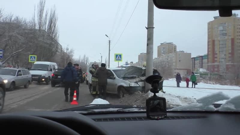 Авария 18 01 19 Омск ул Архитекторов mp4