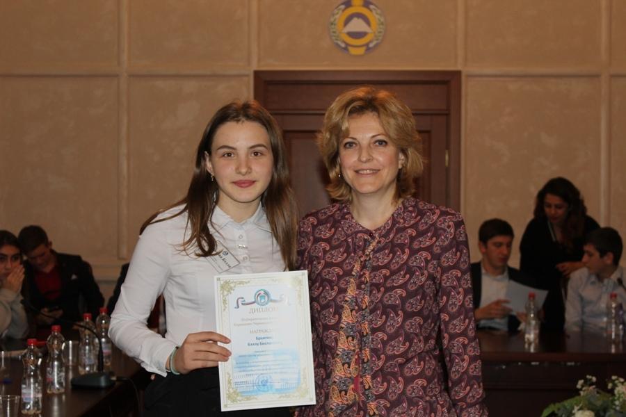 Школьница из Зеленчукского района победитель олимпиады по вопросам избирательного права