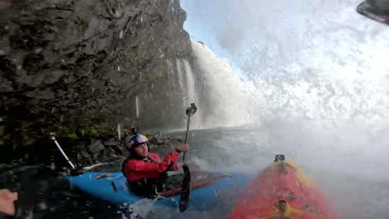 На каяке по водопадам Исландии, офигенно!