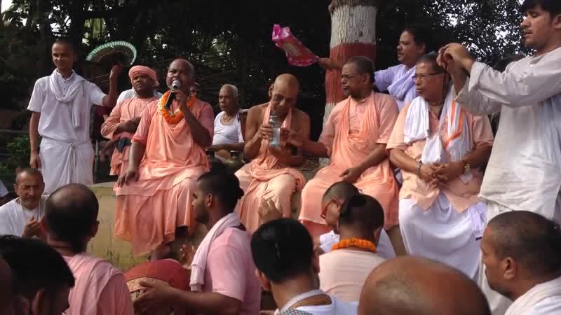 Шрипад БВ Шридхар Махарадж отрывок киртана Пури лето 2018