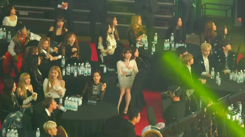 [레드벨벳(Red Velvet) 봐서 행복한 사쿠라] 블랙핑크(BLACKPINK),아이즈원(IZONE),여자아이들 Reaction@190123 가온차트 [ 4k Fancam 직캠