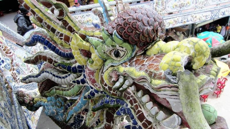238 Вьетнам Пагода ЛИНЬ ФУОК храм ИЗ ОСКОЛКОВ БУТЫЛОК Vietnam Linh Phuoc Pagoda temple of bottles