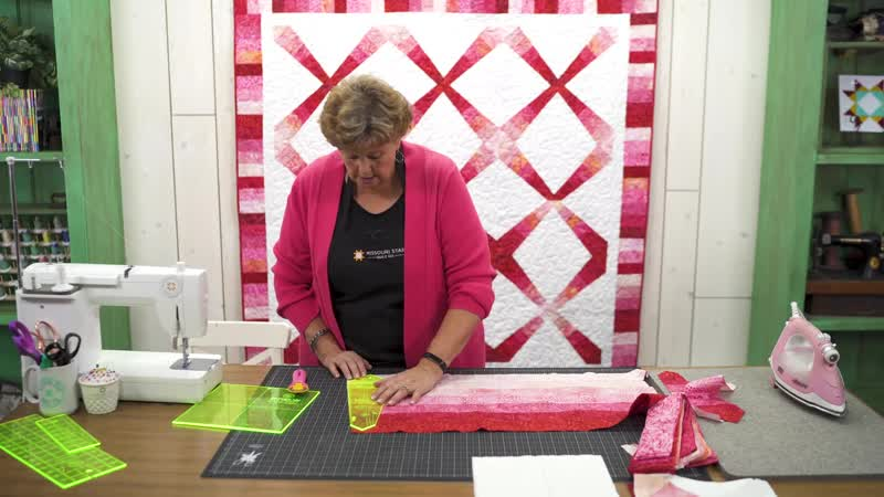 Make a Radiance Quilt with Jenny Doan of Missouri Star Quilt Co (Video Tutorial)