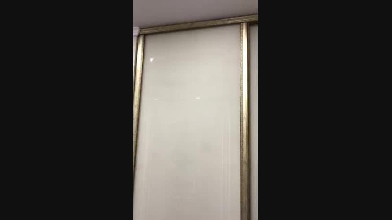 Гардеробная ARISTO. В раздвижных дверях использован декорируемый профиль АЛВИД