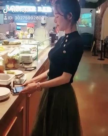 """김민영 on Instagram: """"인싸잼 엘린 ellin tiktok 틱톡 울여왕님과 눈치"""""""