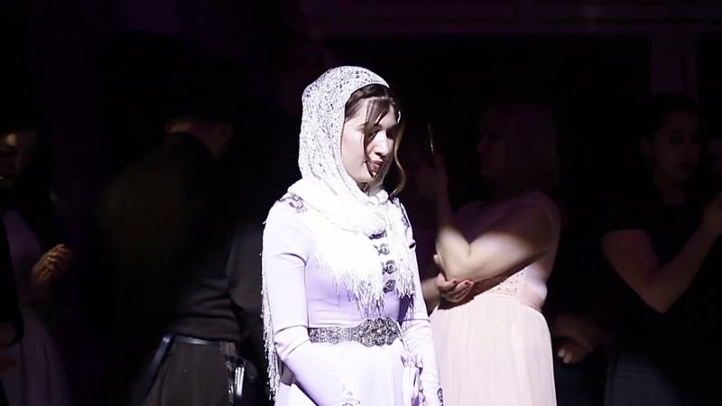 Очень красивый и трогательный момент на свадьбе Тебердиевых Ресторан ПРОВАНС