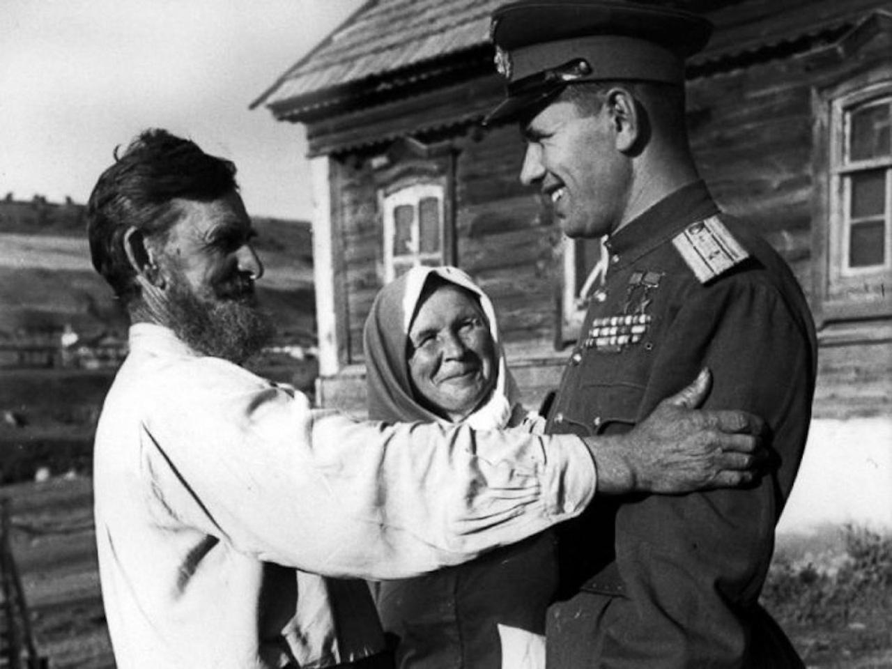 Красноармейск, увековечь имя своего прославленного земляка на земле Астраханской!