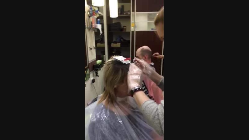 Практика на курсе парикмахеров Мелирование