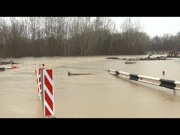 Станица Ставропольская остается отрезанной от мира из за разлившейся реки Шебш