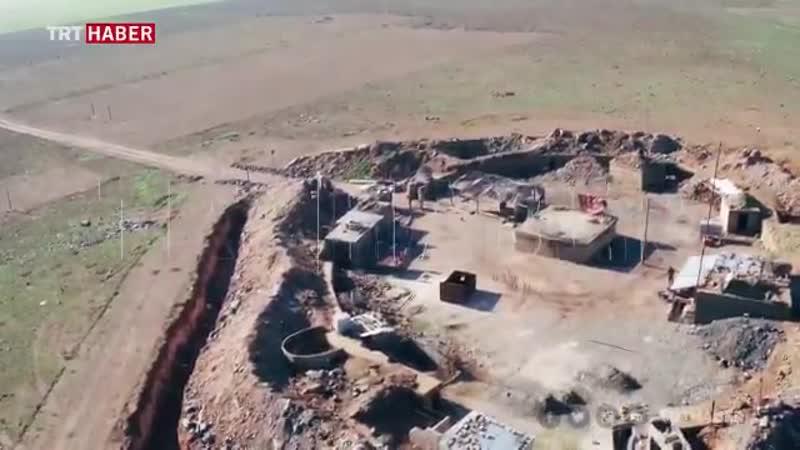 Съёмка квадрокоптера укреплённая позиция YPG у турецкой границы неподалёку от русла Евфрата в западном регионе Кобани турецки