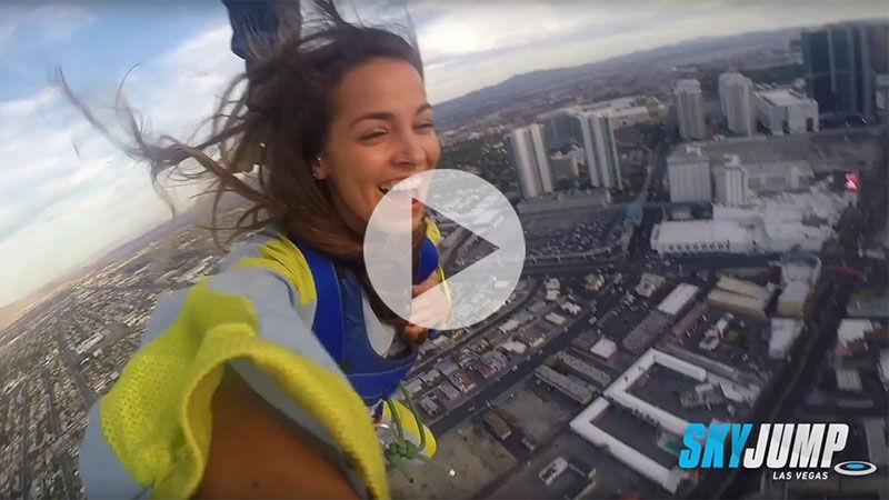 🔴 СЛАБОНЕРВНЫМ НЕ СМОТРЕТЬ 🔴Аттракцион в Лас-Вегасе СкайДжамп (SkyJump). Высота - 261 метр или 108 этажей здания✈🌴☀