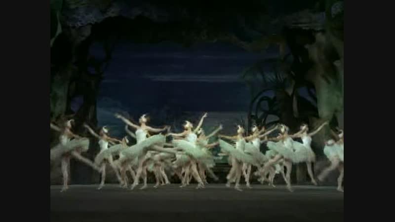 Tchaikovsky - Swan Lake - Margot Fonteyn Rudolf Nureyev - 1967