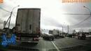 В поселке Ульяновка столкнулись тягач и маршрутка