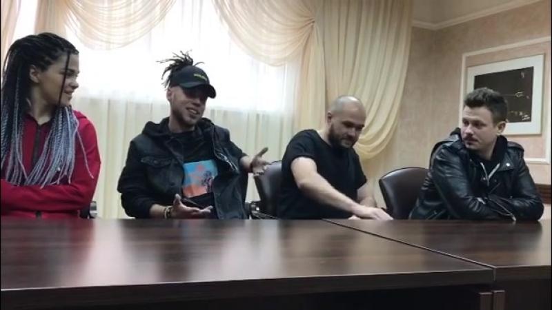 Пресс-конференция   Омск   Песни