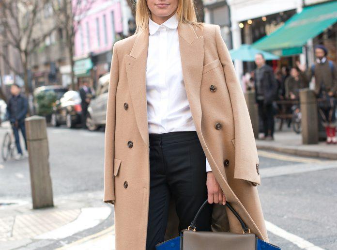 eb8d23a61edeaf Если вы хотите инвестировать в элегантное, классическое пальто, которое вы  будете носить в течение десятилетий, тогда ваш выбор — бежевое пальто.