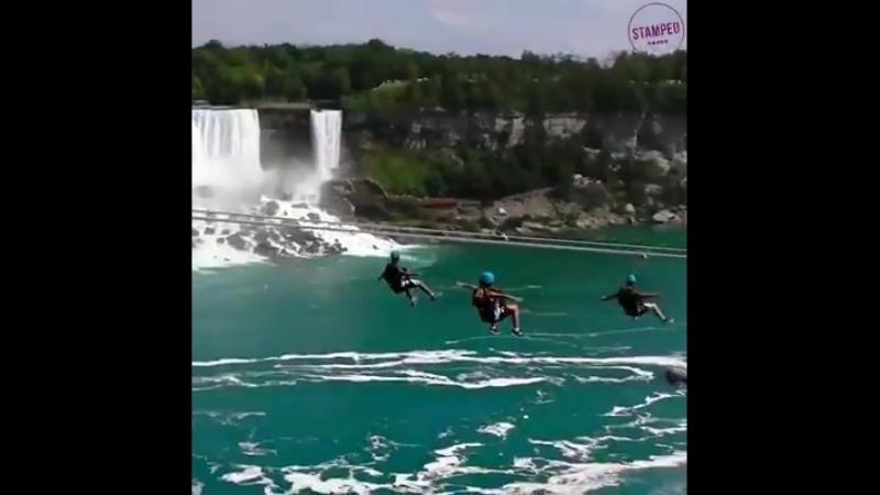 Les chutes de Niagara.