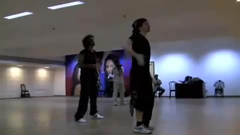 Hritik Roshan Fun Abusing His Dance Instructor While Practice Kite