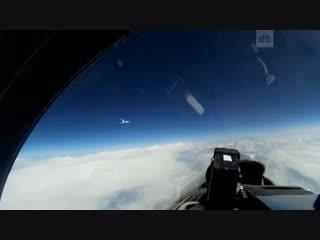 Перехват российским Су-27 шведского самолета-разведчика