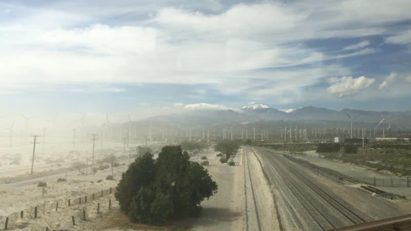 Ветряные турбины в калифорнийской пустыне