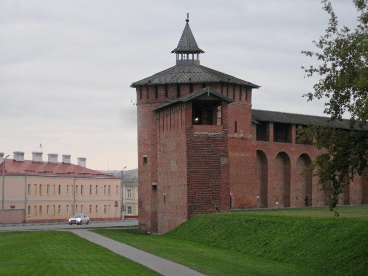 Коломенский Кремль - могучая русская крепость 16 века.  Неприступная твердыня на южных рубежах