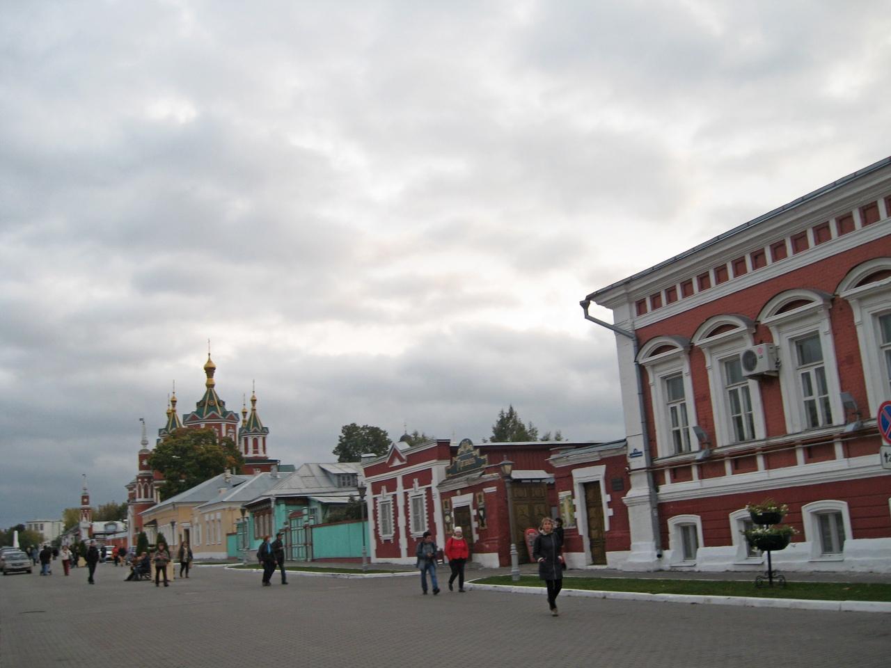 Коломна - очаровательный старинный русский город.