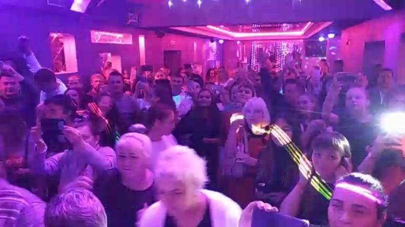 Cafe Club Platinum - Live