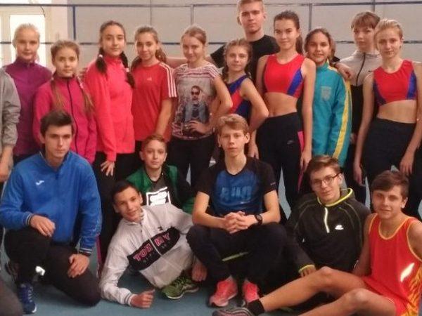 Угледарские спортсмены получили медали на чемпионате Донецкой области по легкоатлетическому двоеборью (фото)