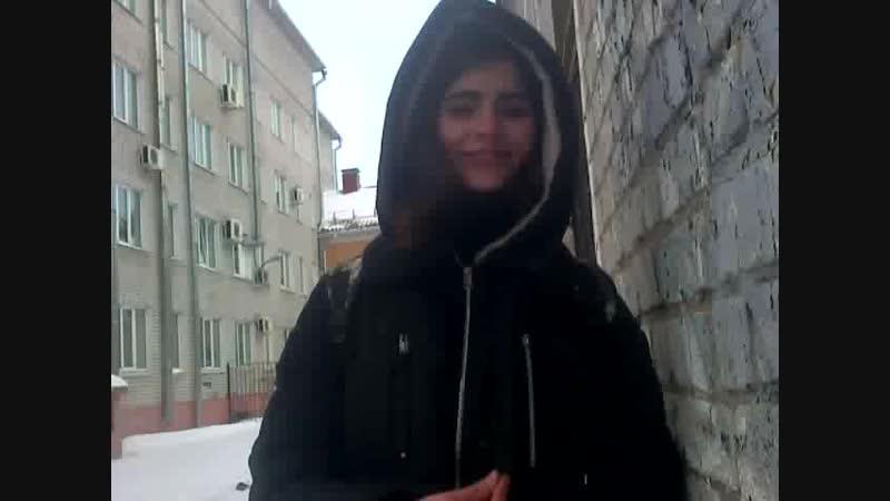 Людмила Петиш пиздит со стенкой