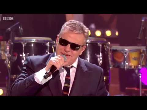 Madness - It Must Be Love (New Year's Eve 2018 Live}