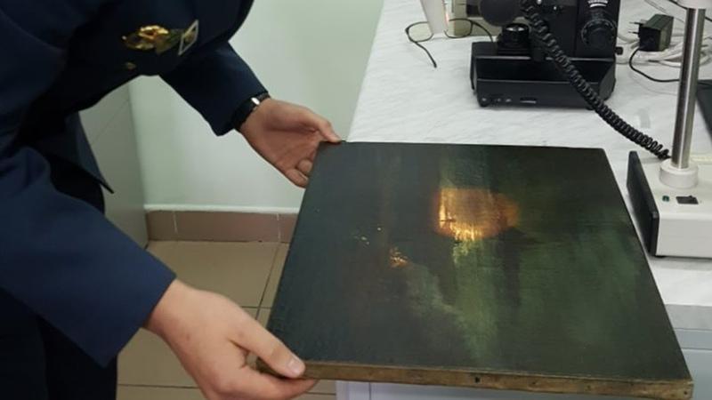 Таможенники нашли в поезде Киев-Санкт-Петербург картину Саврасова » Freewka.com - Смотреть онлайн в хорощем качестве