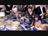 Зрители «Поля чудес» устроили давку из-за подаренной Леониду Якубовичу еды