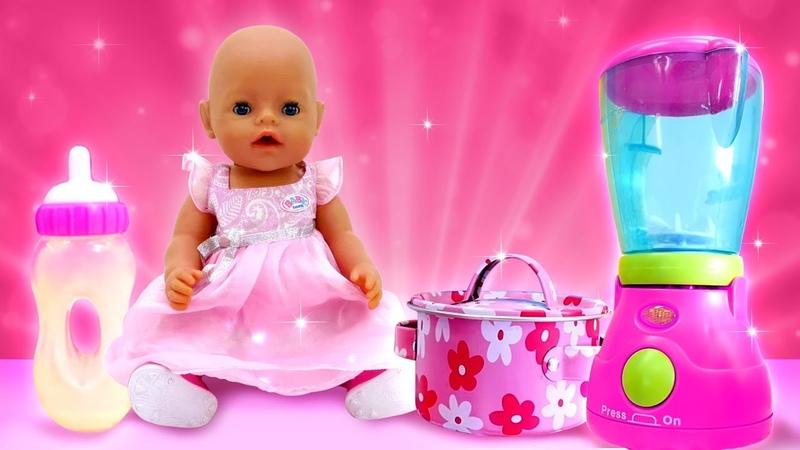 Baby Born Gül için güçlü bir kahvaltı. Bebek bakma oyunu