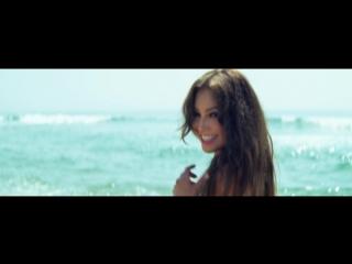 Скачать клип Thalia, Gente De Zona - Lento - 1080HD - [ VKlipe.com ]