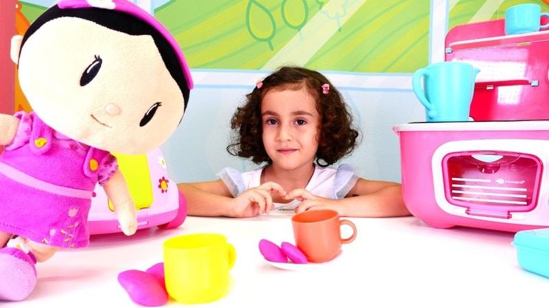 Şila ile çay partisi Kız evcilik oyunu