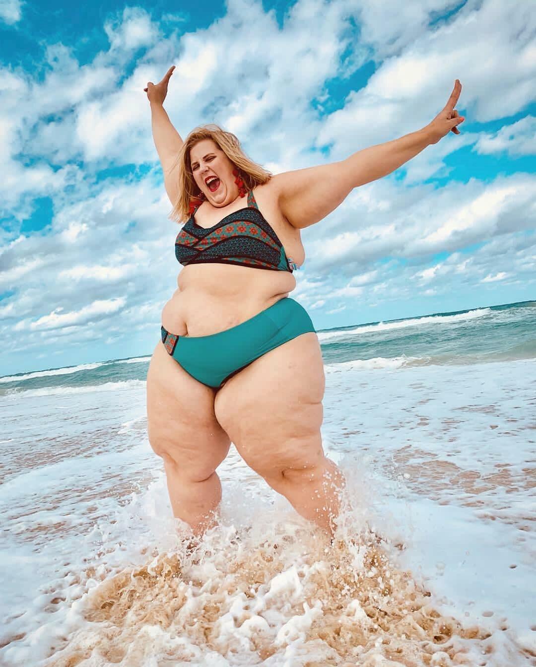 lyf0tiKge9g - Модная модель Gillette Venus: бодипозитив или пропаганда ожирения