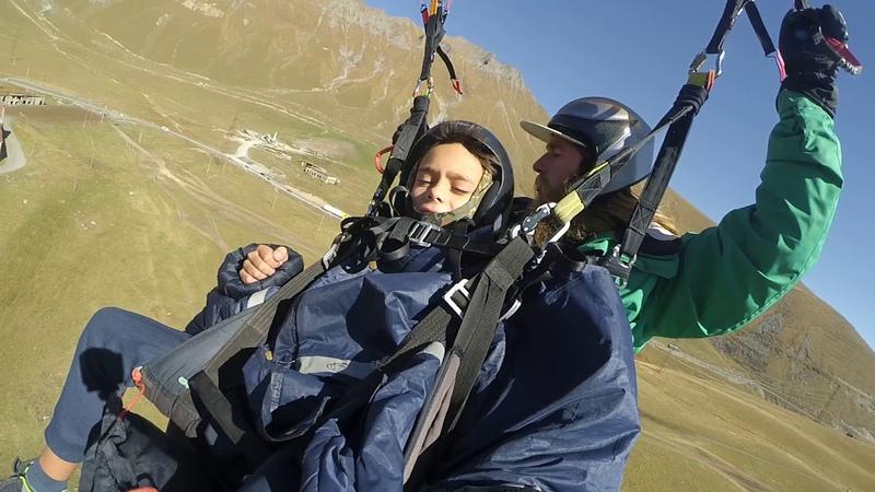 14102018 2 gudauri paragliding полет гудаури بالمظلات، جورجيا بالمظلات gudauriparagliding com