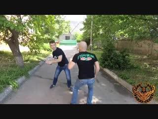 Что делать если на тебя на улице напали с битой
