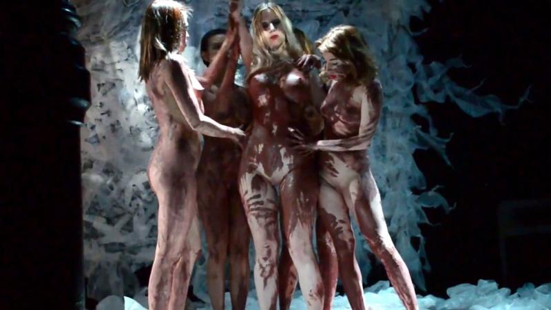 Performance La Petite Mort-mujer rota, Wicca productions , captured by Carlos Alvarez Insua1