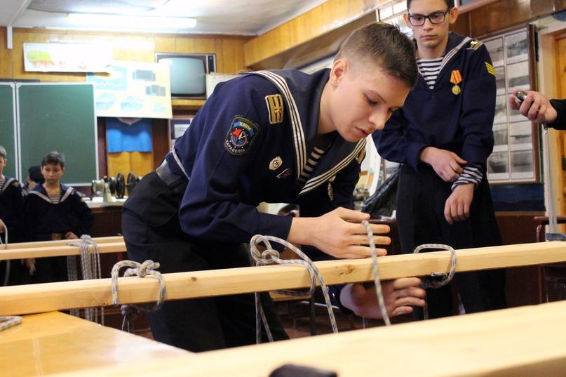 В Новосибирске прошли соревнования по зимнему морскому многоборью «Юный моряк»