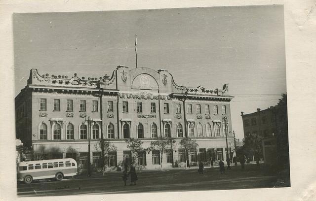 В 1990-е годы законодательный и представительный орган местного самоуправления стал именоваться Городской Думой
