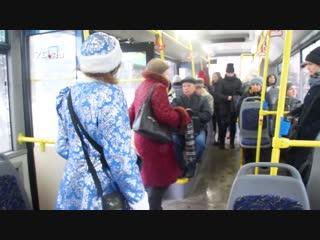 Тест-драйв новогоднего троллейбуса в Ярославле