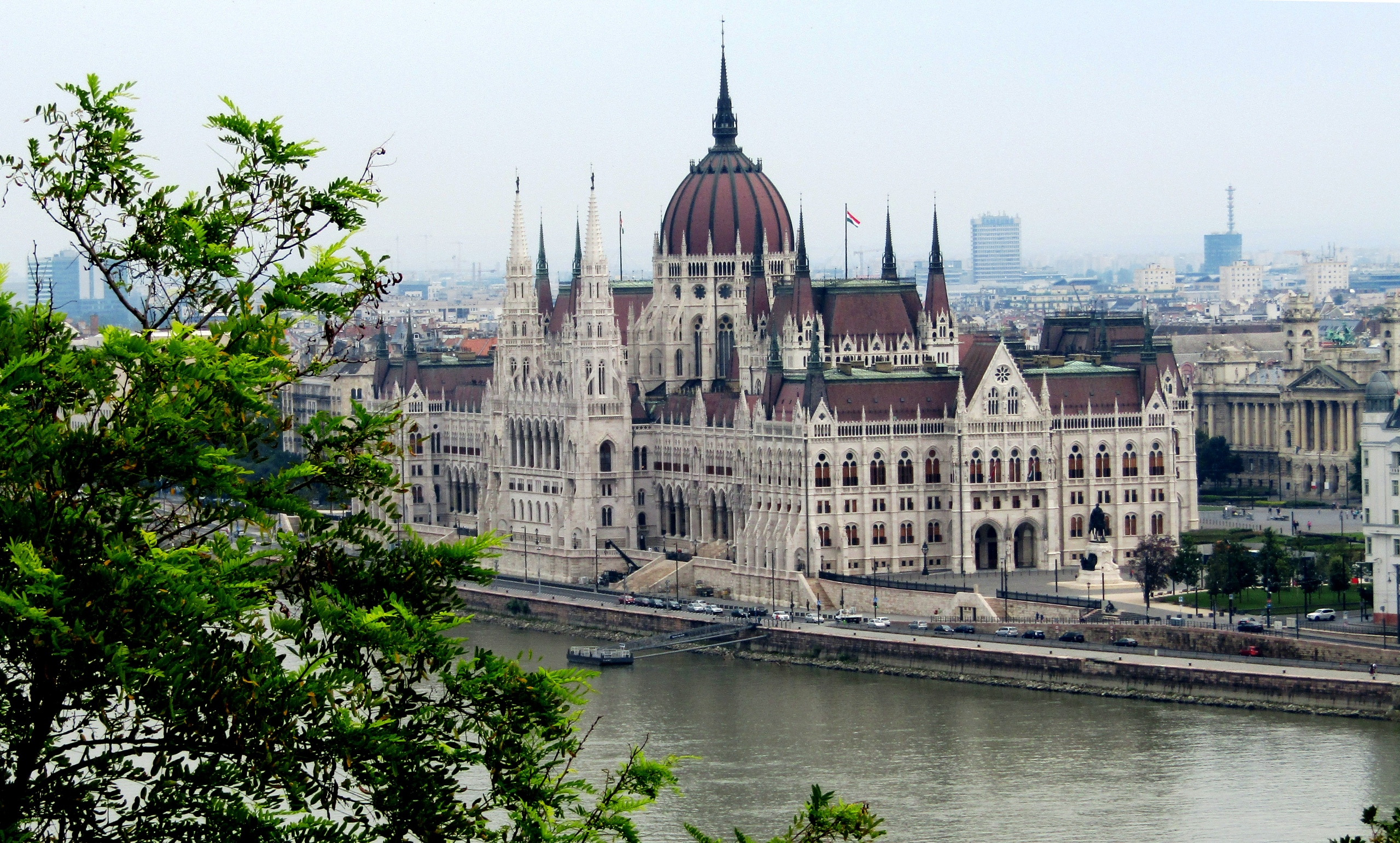 Главный символ Будапешта. Здание парламента.