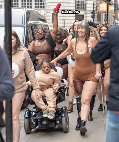 Вот так в Лондоне проститутки выходили на забастовки 8 марта.