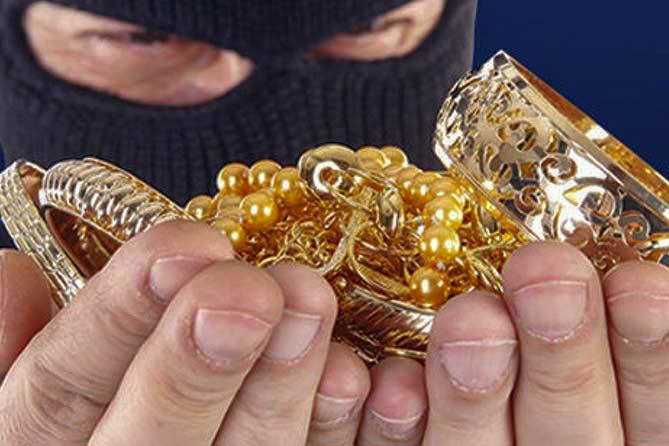 Раскрыта кража золотых изделий в Ляховичском районе