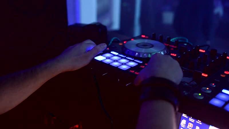 10 Ноября суббота. Dance Party DJ KADIR