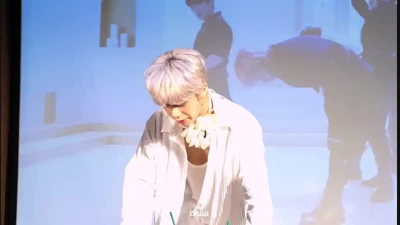 [FC|VK][11.11.2018] fansign in White Hall Art Center (Gangnam)