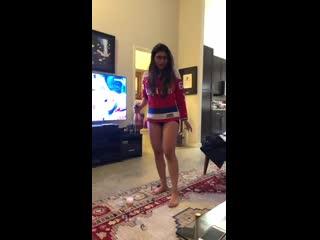 Mia Khalifa - arab brunette porno star арабская порно актриса Reacting to the Caps Winning