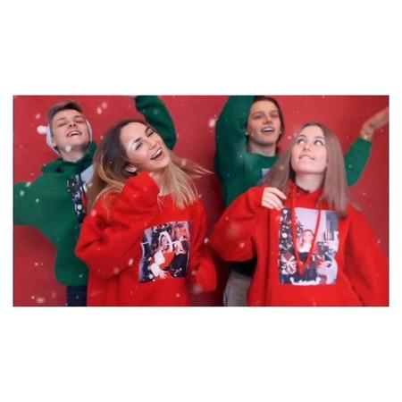 """𝕸𝖆𝖗𝖞𝖆𝖓𝖆 𝕽𝖔 on Instagram В ближайшее время будет открыт предзаказ на мой мерч Merry cROstmas"""" ✨ А пока скорее беги смотреть новогодний подарок"""